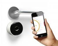 danalock_product_with iPhone_3